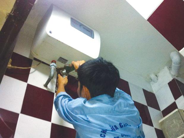 sửa chữa bình nóng lạnh Ferroli